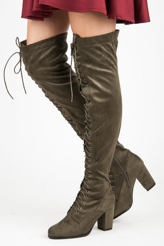 Per visą ilgį suvarstomi tamsiai žali ilgaauliai batai Marquiz ES-2648GR