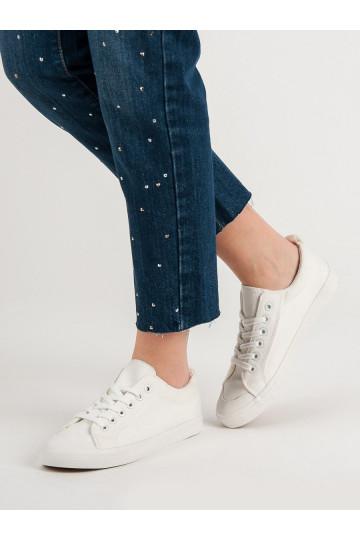su žemu kulnu Baltos spalvos laisvalaikio batai C009W