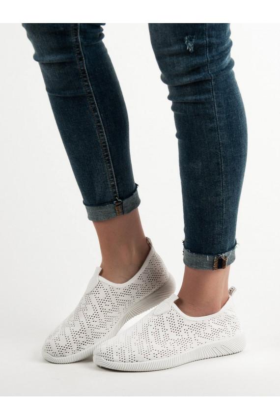 Įsispiriami tekstiliniai batai BO-22W